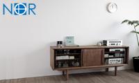 現代に息づく北欧家具「ノル」シリーズ 北欧のヴィンテージ家具にはない、現代のオーディオやテレビに対応した家具を形に。
