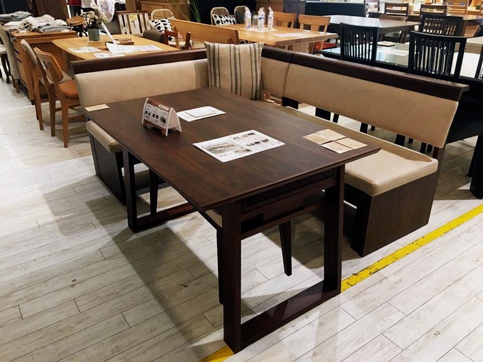 若松店人気のダイニングテーブル+ベンチチェア