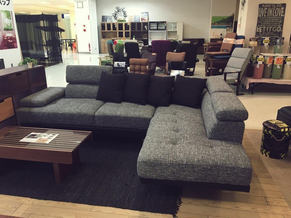ゆったり深めのソファ