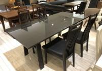 伸縮できるテーブル